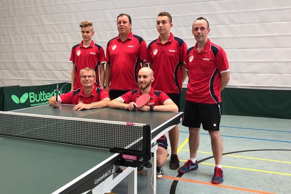 Das Mannschaftsfoto der 1. Herren Tischtennis Kaltenkirchener Turnerschaft 2018/2019